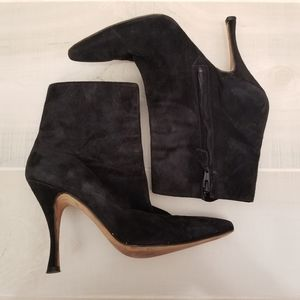 {38.5} Manolo Blahnik Black Suede Kitten Heel Boot